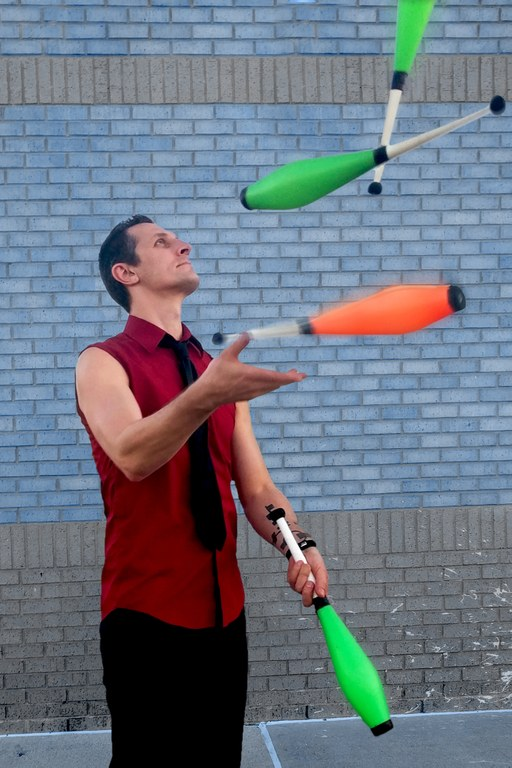 juggling1-cropped.jpg